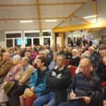Une salle pleine pour la réunion publique sur la fibre au Neubourg