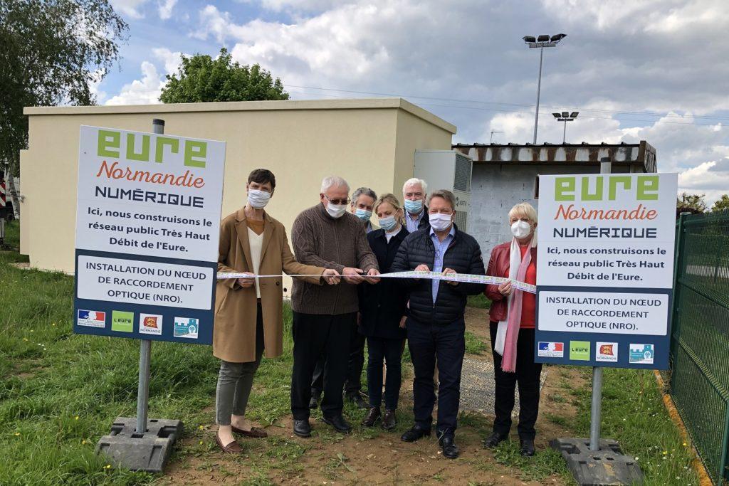 Les élus réunis à Etrépagny pour l'installation d'Eure Normandie Numérique